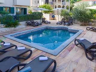 Apartment Justicia with Swimming Pool I