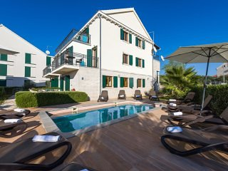 Apartment Epona with Swimming Pool I