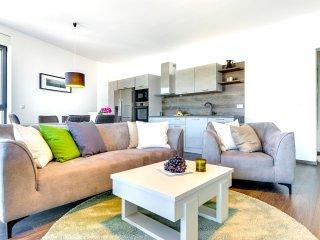 Apartment Tamaris with Private Beach V