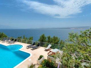 Apartment Majda with Swimming Pool II