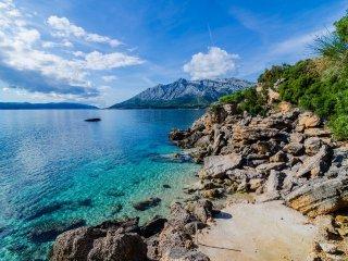 Beachfront Villa Undersea Mystery