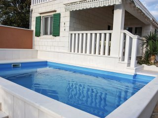 Villa  Cherry Blossom with Swimming Pool