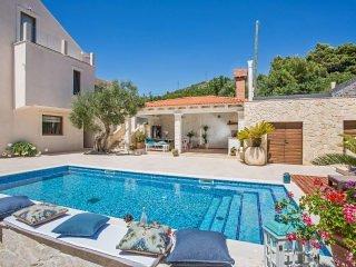 Luxury Villa Dolce Vita with Swimming Pool