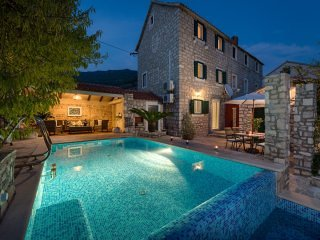 Villa Rustica Moderna with Swimming Pool