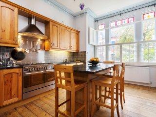Veeve - Classic Highgate Living