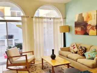 New 2Br/2Bt 1st floor, Downtown 3 Blcks to the SEA