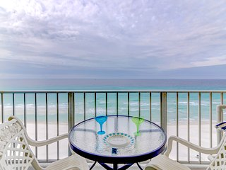 Suzies Towers 2BR/2BA Updated Beachfront Condo Sleeps 1-8 Beach Chairs Included