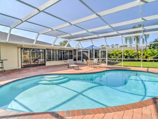 Sarasota Home w/ Pvt. Pool & Hot Tub - Mins to Bay
