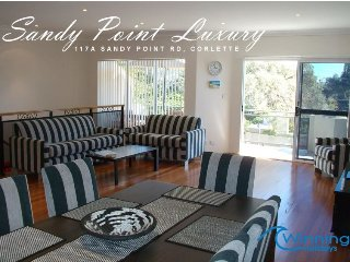 Sandy Point Luxury, 117A Sandy Point Road
