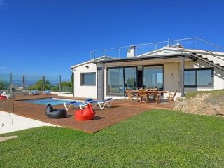 Begur Villa Sleeps 8 with Pool Air Con and WiFi - 5313753