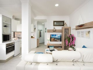 1 bedroom Apartment in Puerto-Canteras, Canary Islands, Spain : ref 5512426