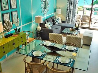 Welcome to Paradise Blue! Tropical Penthouse in Paradise