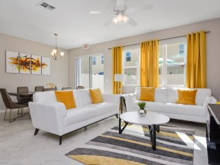 Four Bedrooms Townhome close to Disney 5122