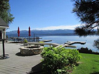 Luxury lakefront home w/ private dock, beach, lake views & entertainment!