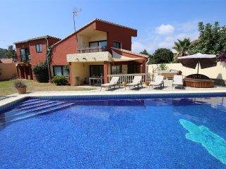Villa LIMA