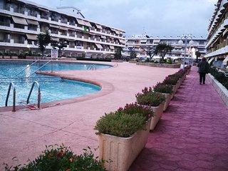 Apartamento en Cambrils , 1a linea de playa. A 5 min. de Port Aventura /Ferrari