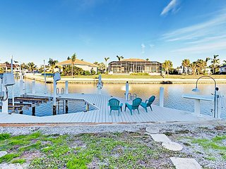 Waterfront 3BR w/ Private Dock & Enclosed Lanai - Near Beaches