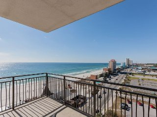 2BR w/ 11th-Floor Gulf Views, Heated Pool, Hot Tub & Private Beach Access