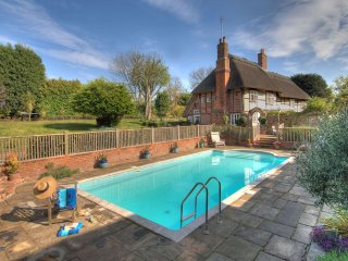 Manor Farmhouse - Holiday Cottages in Kent and Sussex