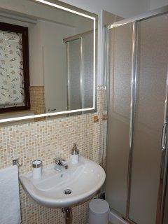 Bagno secondo piano con doccia