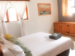 Spacious Double bedroom in Beach B&B