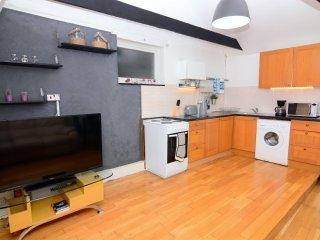 Apartment Wharf – Hatton wall - Top floor - 184