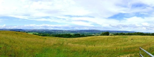 Stunning views across the Vale of Glamorgan and across to the Brecon beacons