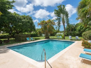 Pool Apartment at Mullins Bay Estate sleeps 2+2 ch