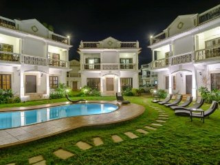 Luxurious 3-BR Villa with an Oasis Pool, 1 km away from Ma De Deus Church