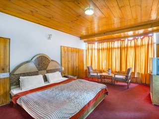 Spacious stay for three, ideal for a hillside retreat