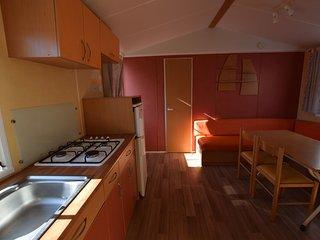 Moorea camping ** à Minzac en Dordogne