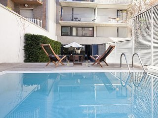 Private Pool Apartment near the City Center