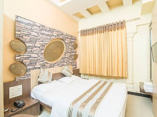 Cosy room for three, close to Nakki Lake