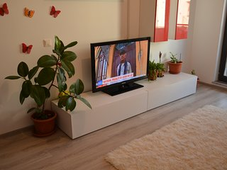 Butterfly house, 2 minute to the sea, 5 person max, Mamaia North Area.