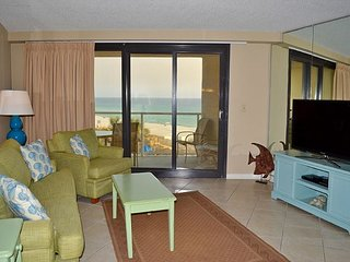 Awesome beach condo ~ 2 night minimum ~ directly on the water