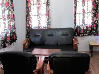 Commodious stay in a cottage for two, on Mall Road