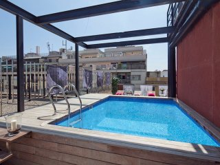 Apartment with swimming pool in Arco del Triunfo in Barcelona