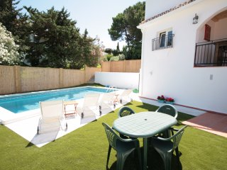 2 Bedroom Villa with private pool and bar, El Faro