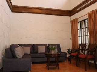 Lovely 3BR House for fam & friends near Ayala mall