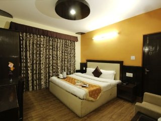Decorous 1-bedroom for leisure travellers, close to Beas River