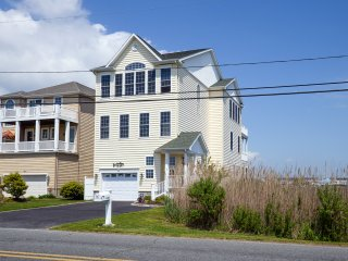 Beach Home w/Bay & Harbor Views. Students Welcomed OCMD