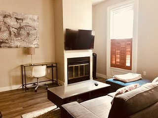 Fabulous downtown Dresden Row 2BR