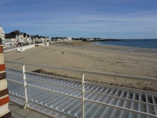 appartrment face a la mer avec un acces direct sur la plage,exposition plein sud