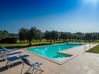 Large apartment La Capannina - swimming pool and garden