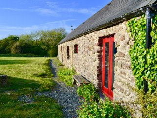 Hawthorn cottage. The smaller of two cottages in. Renovated 18C dairy