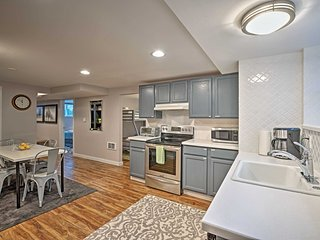 Modern, Chic Apt. 15 Minutes from Downtown Seattle