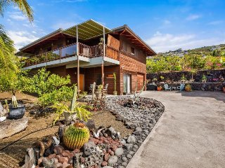 Tropical retreat 150 yards to ocean, includes use of kayak and snorkel gear