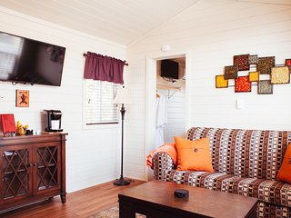 Beautiful Two Bedroom Cottage at Cava Robles - A Signature Sun RV Resort