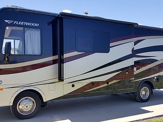 Affordable late-model RV & Camper Rentals w/ very best customer service! RV10