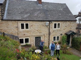 Beautiful 2 bedroomed stone cottage near the centre of Crich